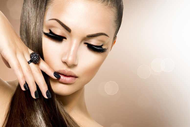 £7 instead of £15 for a Shellac mani, £17 for semi-permanent eyelash extensions, or £23 for both at Beauty Betty, Edinburgh – save up to 53%
