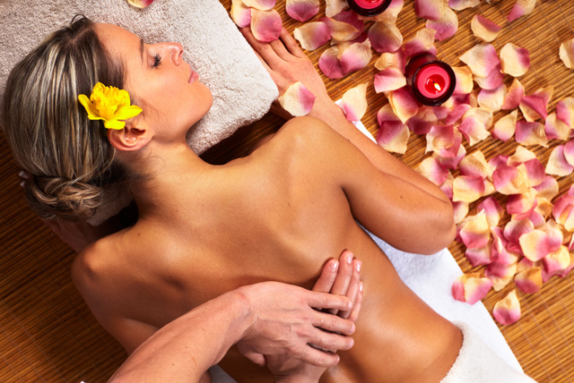 £12 instead of £30 for a 1 hour full body massage at Essence Hair, Lincoln - relax and save 60%