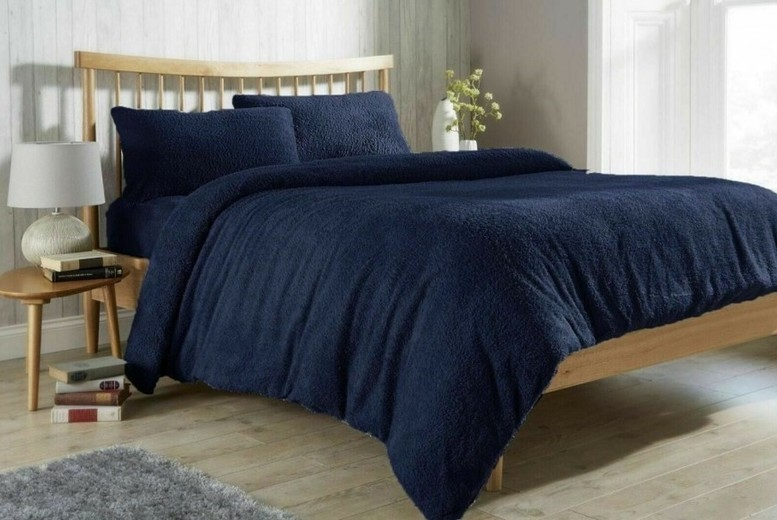 From £15.99 for a Luxurious Teddy Fleece Duvet Set from Direct Warehouse Ltd – save up to 60%