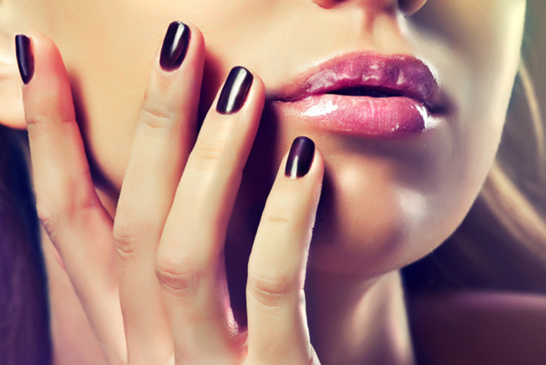 £12 instead of £20 for a luxury shellac manicure or pedicure from Nails at Braybrook, Nottingham – save 40%.