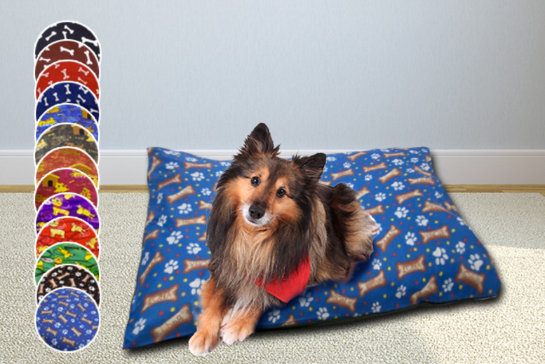 £8.99 instead of £24.99 (from Your Essential Store) for a large pet bed with a washable zip cover - choose from 13 designs and save a paw-some 64%