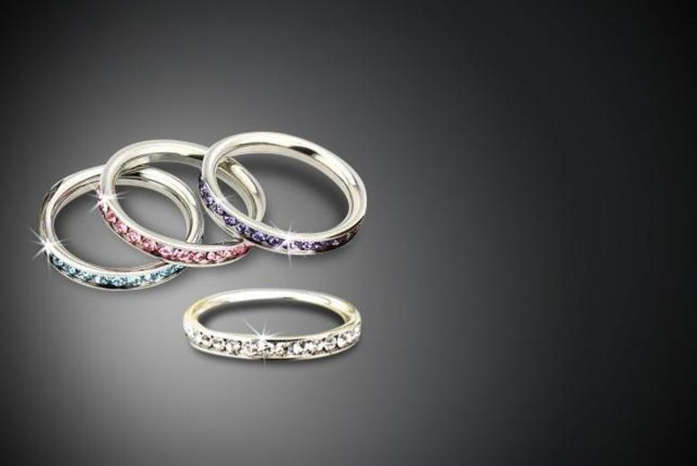 £8 instead of £29.99 (from Marcus Emporium) for a Swarovski Elements crystal ring, £12 for two or £13 for three - save up to 73%
