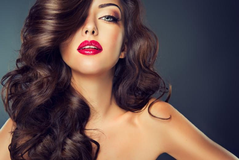 £10 for a 1-hour beauty experience inc consultation, 3-step facial & custom make-up application at Clinique in Jenners, Edinburgh