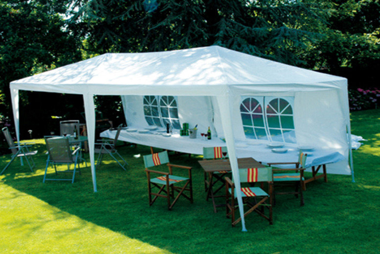 £59.99 for a 3m x 6m party marquee inc. poles and PE roof from Wowcher Direct - DELIVERY IS INCLUDED!