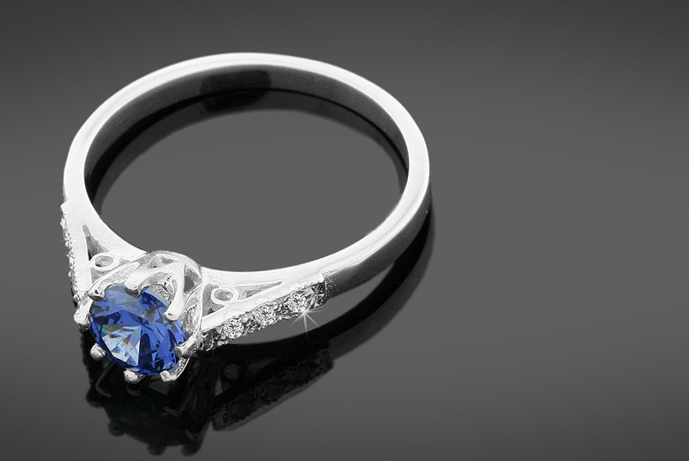 £34 instead of £149 (from British Gem) for a diamond and 1 carat tanzanite ring - save 77%