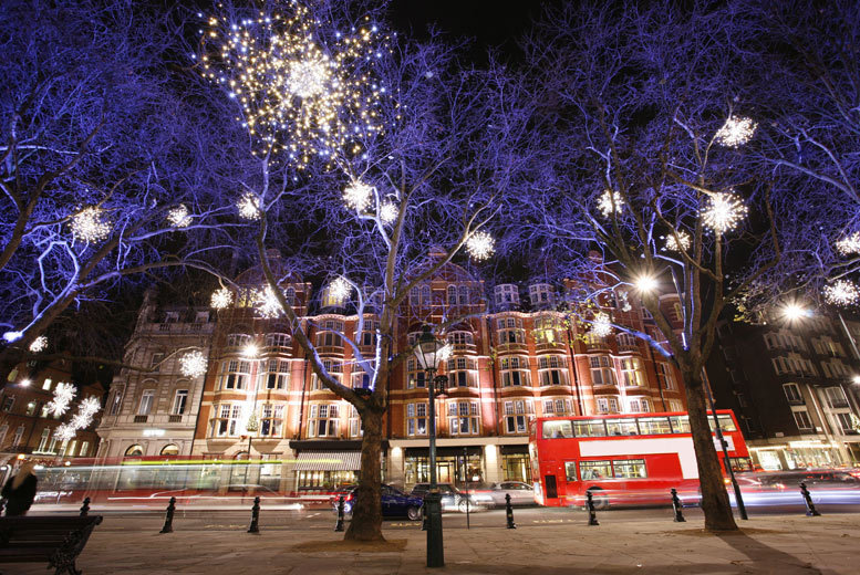 £9 instead of £20 for a child's London Christmas lights tour ticket, £12 for an adult ticket from Abbey Travel - save up to 55%