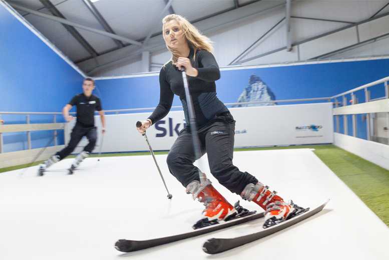 £19 instead of £40 for an indoor ski lesson at Skiplex - choose from two locations and save 52%