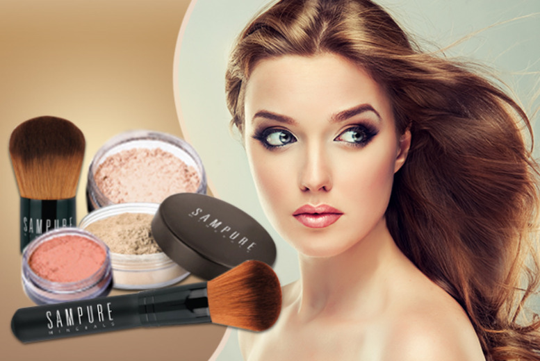 £24.99 instead of £45.96 (from Sampure Minerals) for a 5-piece makeup glow kit in a choice of colour tones - save 46%