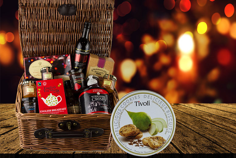 £24.99 for a Christmas food and drink hamper including Shiraz Cabernet, Australia Reserve Shiraz, cookies, jams and more from First4Hampers - save 50%