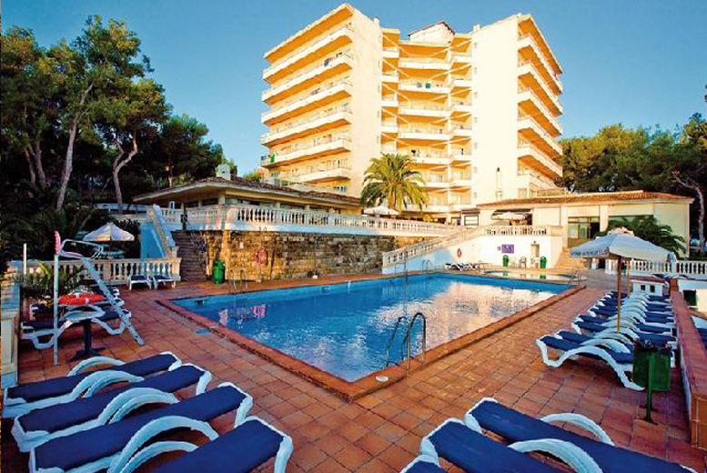 From £199pp (from A1 Travel) for a 4nt all-inclusive adults only Magaluf break inc. flights, or from £279pp for 7nts - save up to 32%