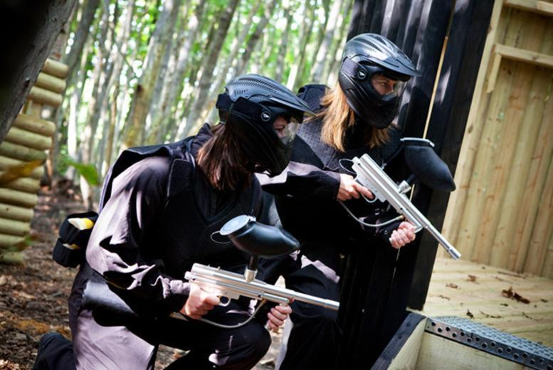 £10 for a day of paintball for up to 10 people including 100 balls each and a light lunch at a range of UK locations with Thunder Ridge Paintball - save 95%