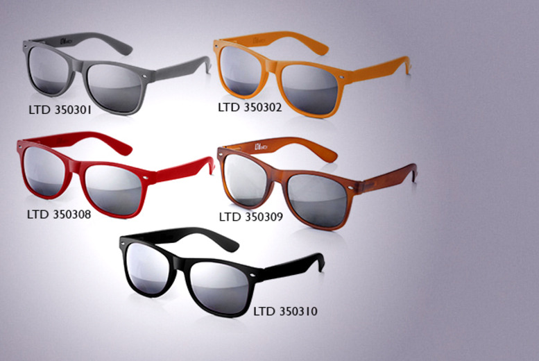 £9.99 instead of £97.03 (from Wowcher Direct) for two pairs of retro sunglasses - pick from 10 stylish colours and save 90%