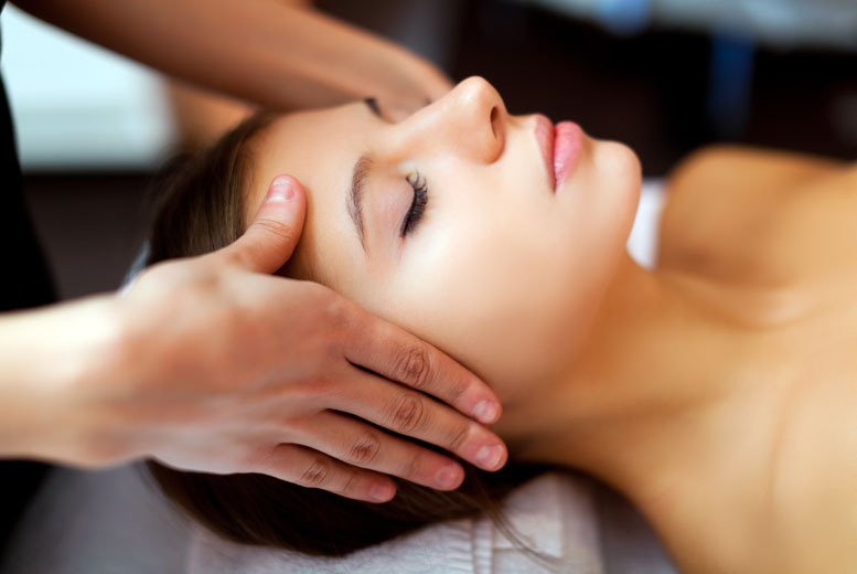 £15 for a 1-hour Indian head, back, neck and shoulder massage at Nash Beauty Salon, Glasgow
