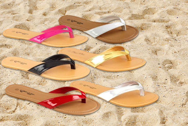 £8.99 instead of £24 (from Urshu) for two pairs of ladies' toe-post sandals in a choice of six colours - save 63%