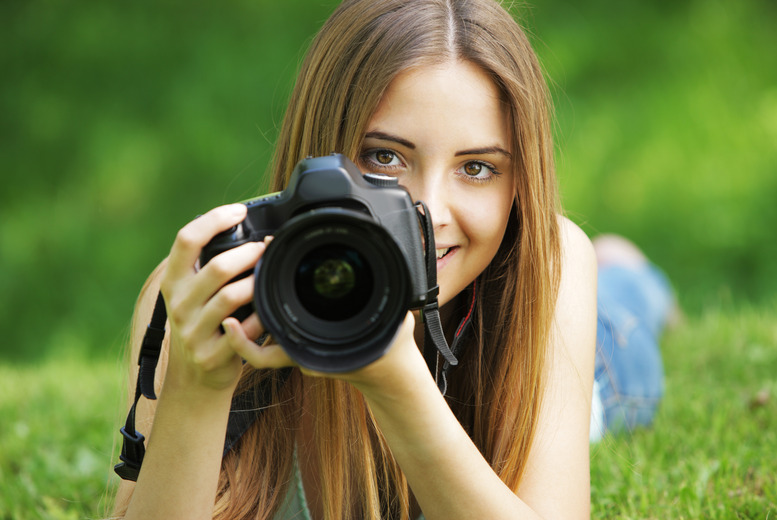 £19 for a 2hr beginner digital photography workshop, £24 for intermediate or £42 for both with PhotoSchool - save up to 81%