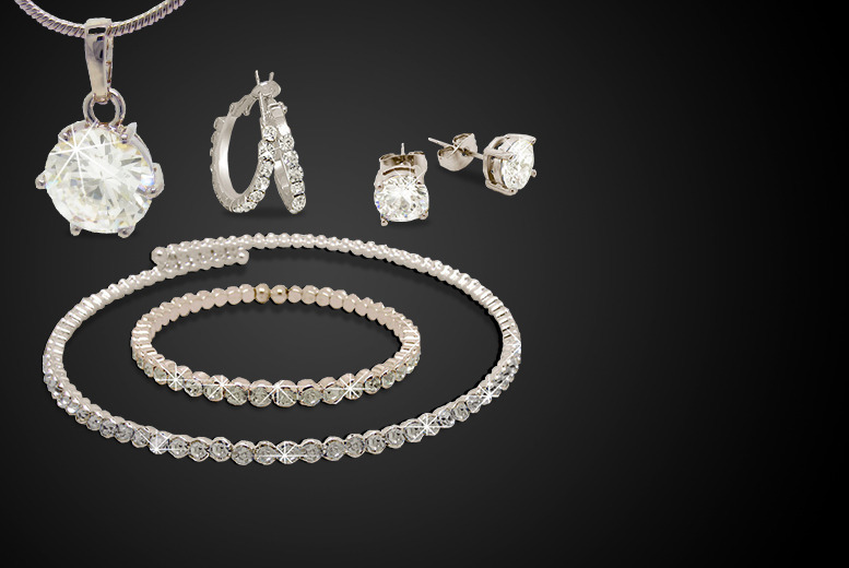 £19 instead of £200 (from Cian Jewels) for a 5-piece jewellery set made with Swarovski Elements - save 90%
