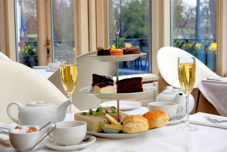 £21 instead of £66 for afternoon tea for two people including a glass of bubbly each at the 4* Corus Hotel Hyde Park - save 68%