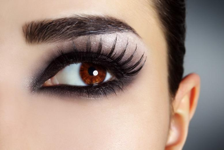 £19 instead of £50 for a full set of semi-permanent eyelash extensions at Glamor'Eyes' @ Amadeus, Holborn - save 62%
