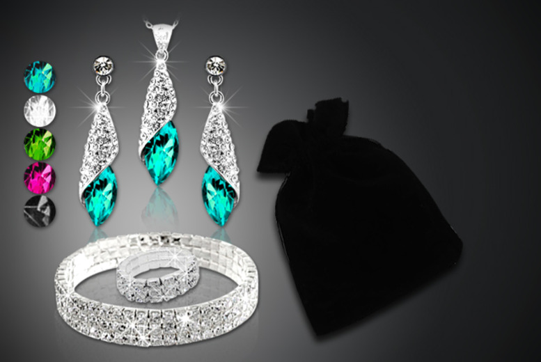 £16 (from Cian Jewels) for a 5-piece crystal gift bag made with Swarovski Elements inc. bracelet, ring, earrings, pendant and mystery gift - save 92%