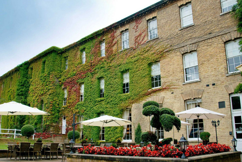 £109 instead of £179 (from Beaumont Estate) for a 1nt Windsor stay for 2 inc. 2-course dinner & breakfast, £179 for 2nts – save up to 39%