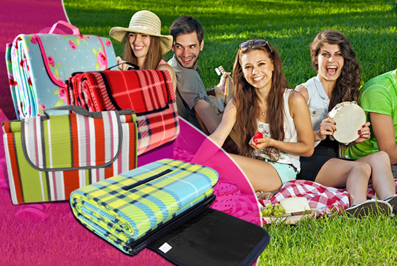 £9 instead of £34.99 (from Groundlevel.co.uk) for an extra large fleece picnic blanket in a choice of designs - save 74%