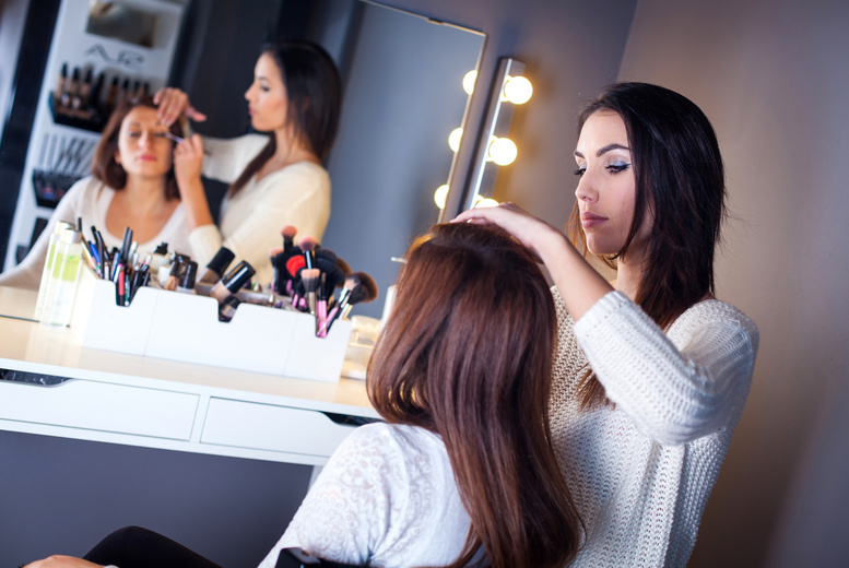 £5 for a 30-minute Bare Minerals skin care, complexion or colour makeup tutorial at Jenners, Edinburgh
