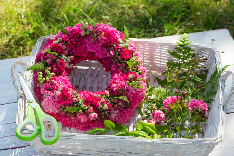 £29 instead of £100 for a 3-hour 'Introduction to Floristry' class at School of Floristry, Isleworth - take home your creations and save 71%