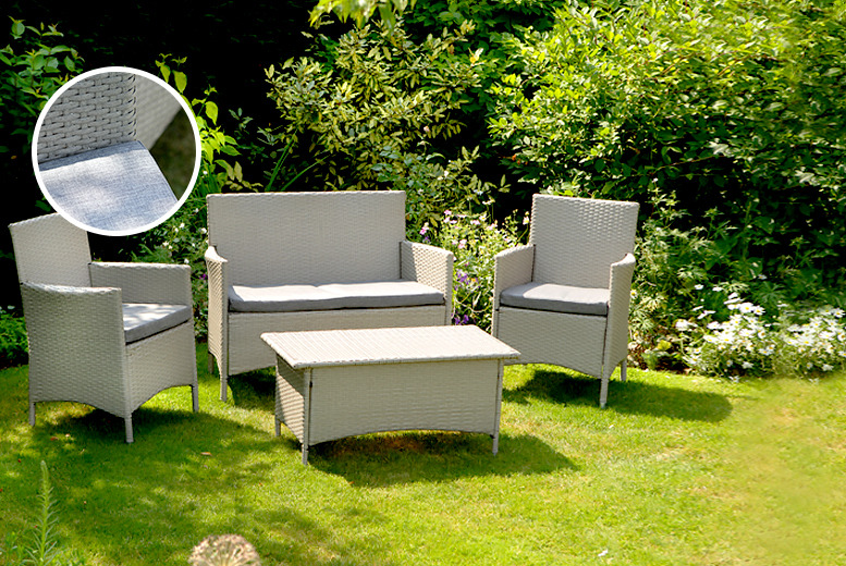 £199.99 instead of £380 for a stylish antique effect Rattan 4-piece garden furniture set from Wowcher Direct – save a comfy 47%