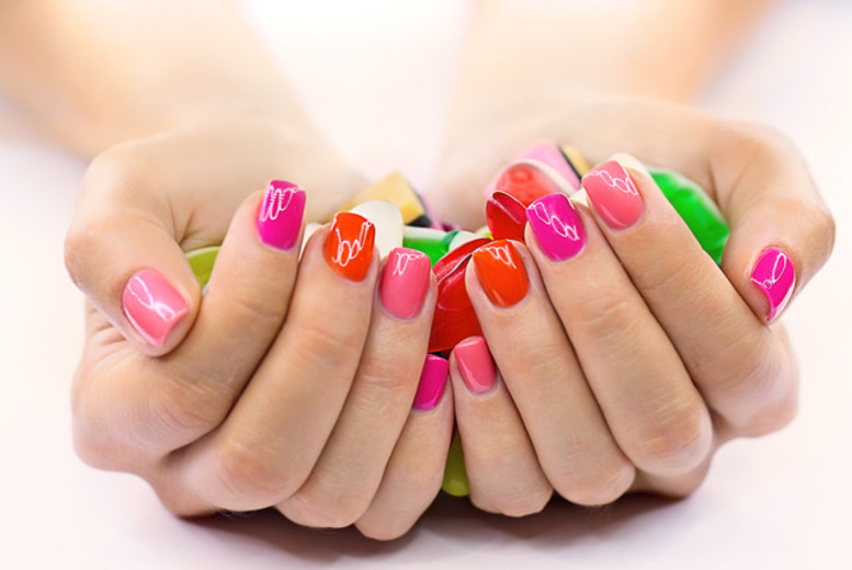 £14 instead of £35 for a Shellac manicure, or £21 including a pedicure at Nail Candy, Marylebone - save up to 60%