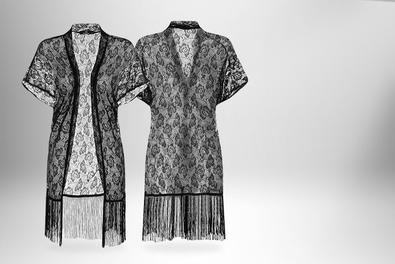 £8.99 instead of £19.99 (from Get the Trend) for a black floral lace kimono - save a show-stopping 55%