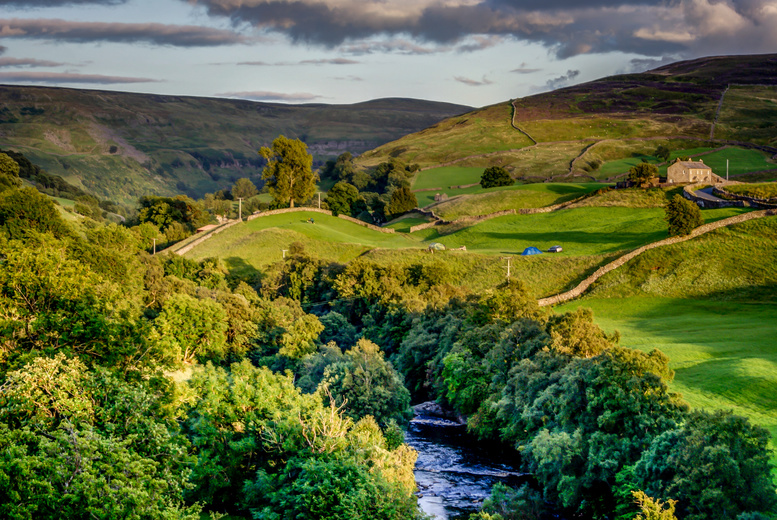 £49 (at Ye Olde Red Lion Hotel) for a two-night Yorkshire break for two people including a full English breakfast, £69 for three nights - save up to 59%