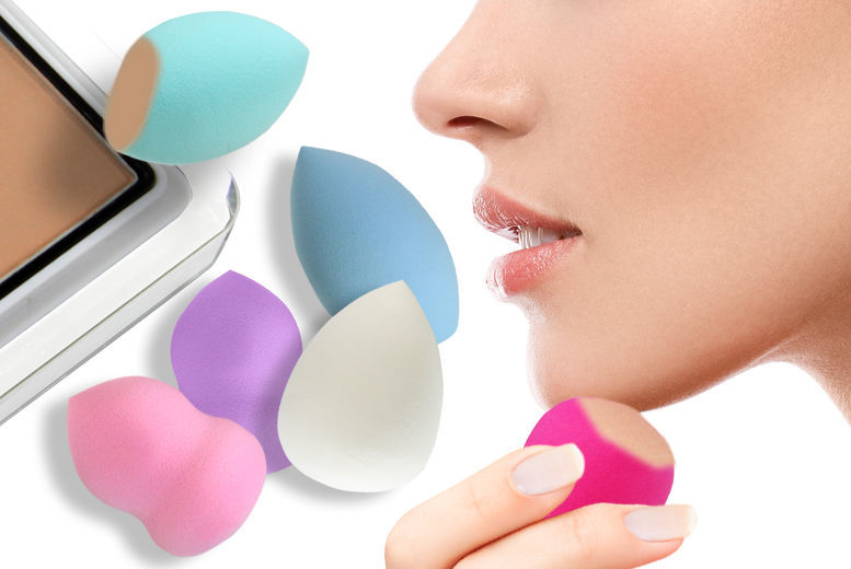 £1.99 instead of £7.99 for a cosmetic blending sponge available in a flat bottom, hourglass or teardrop design from Ckent Ltd - save 75%