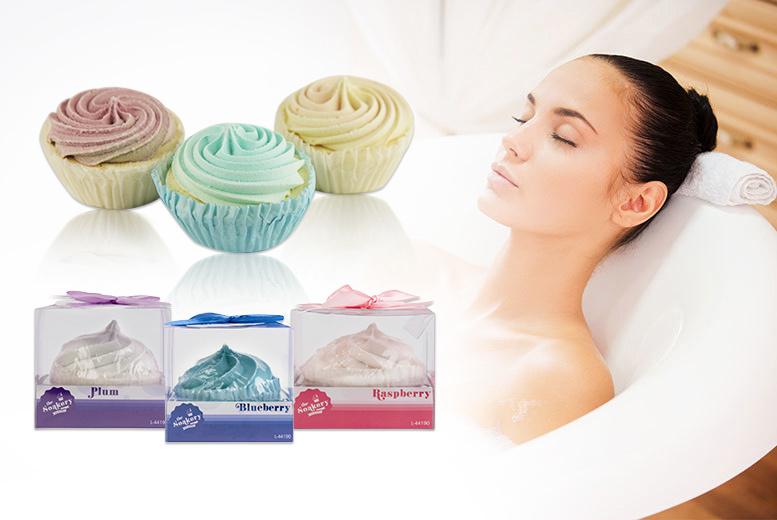 3 cupcake bath fizzers