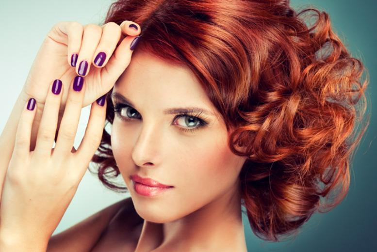 £49 for a 1-day gel nail technician course, £99 inc. a 7pc starter kit or £119 for a 10pc kit at IS Unique Spa, Glasgow - save up to 75%