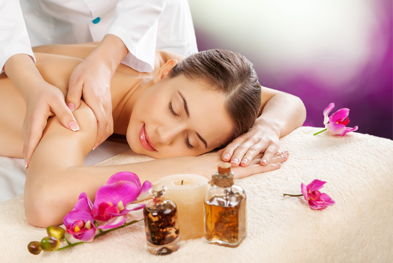 £18 instead of £40 for a one-hour aromatherapy massage at OM Holistic Therapies, Paisley - save a soothing 55%