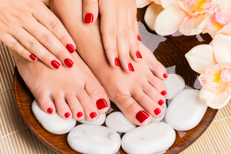 £10 for a spa manicure, £16 for a spa pedicure or £19 for both at Evidence Beauty, Kensal Green - save up to 55%