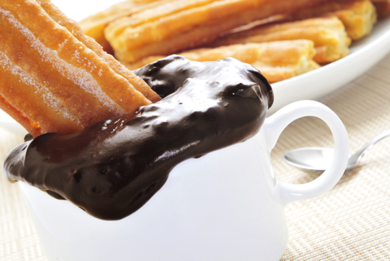 £6 for churros and dipping chocolate for 2 inc. 'unlimited' tea, coffee or soft drink each at Burrito Café, Covent Garden or King's Cross - save 50%