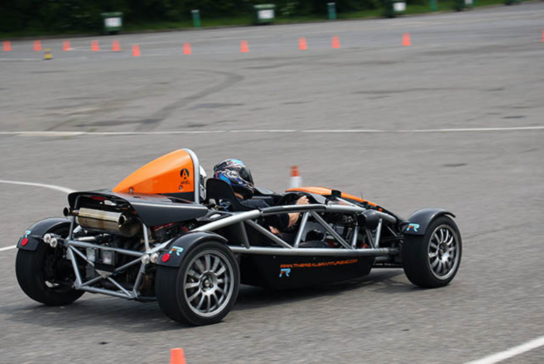 £49 for a bronze driving experience in a class B track car, £79 for 5 laps in a class A track car or £89 for 5 laps each in both - save up to 51%