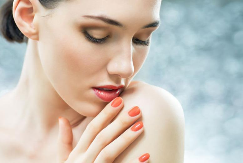 £14 instead of £30 for an express Shellac manicure or pedicure, or £21 for both at Beauty Box, Victoria - save up to 53%