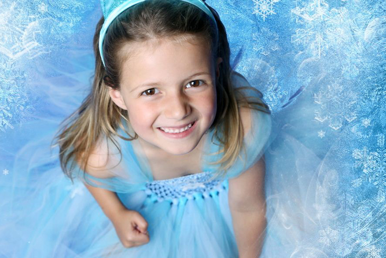 £9 instead of £95 for a Frozen-themed photoshoot for up to 2 including a print from Arts Photography, Rodley - save 91%