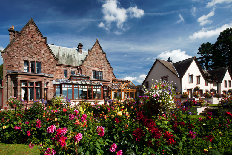 4* 2nt Lake District and Bubbly for 2 - Blackpool, Bradford,...