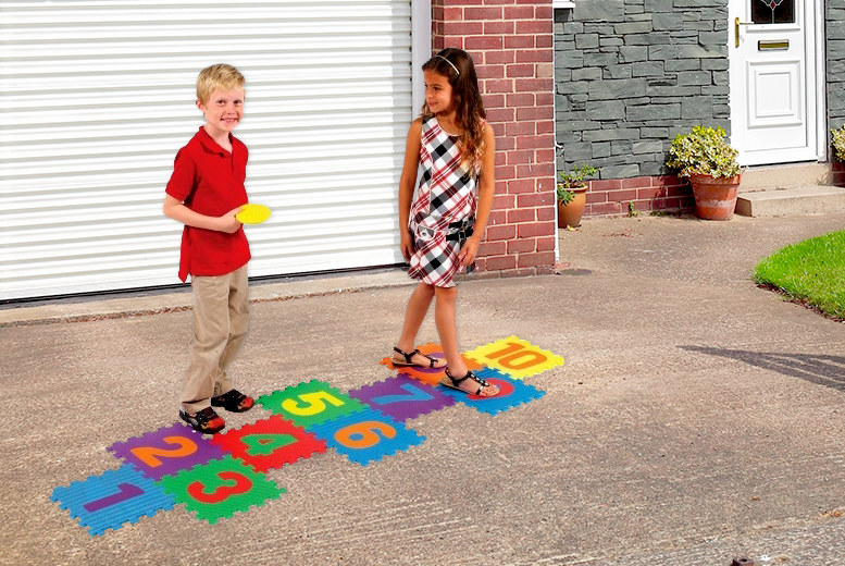 £7.99 instead of £19.99 (from London Exchainstore) for a kids' hopscotch play set - save 60%