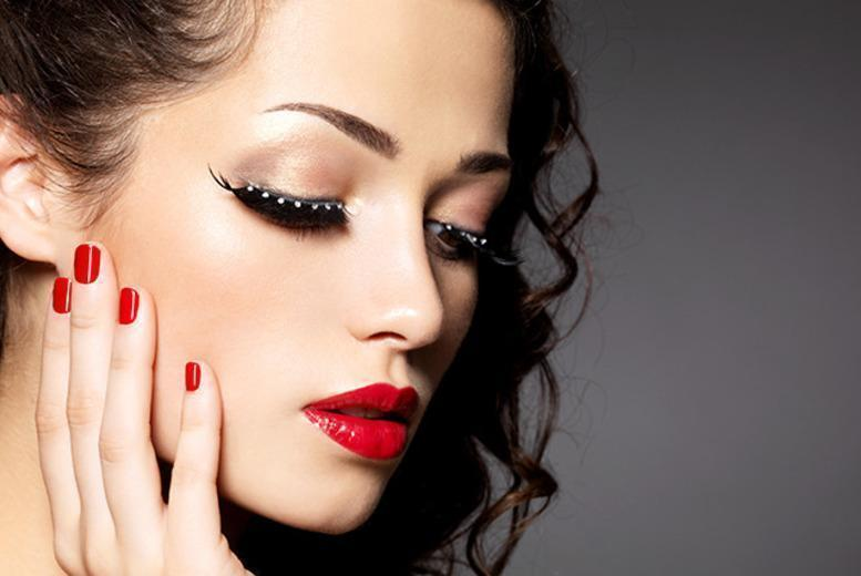 £24 instead of £130 for a 4-hour makeup masterclass at Karen Chesters, Lichfield - save 82%