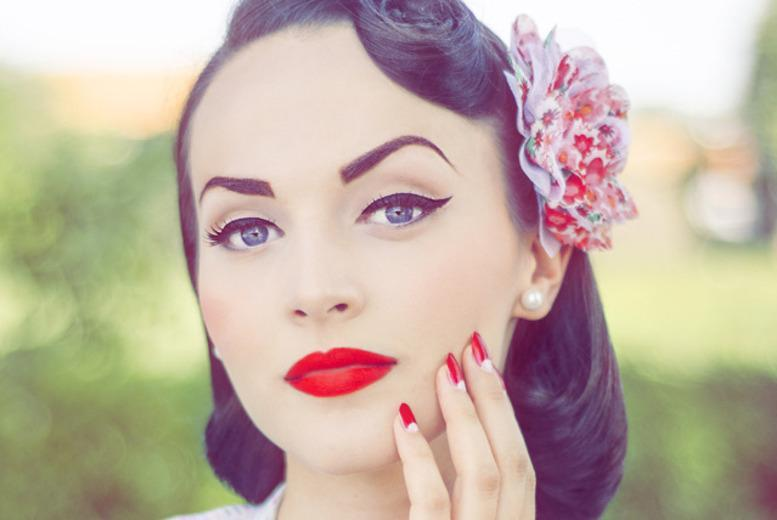 £18 for a vintage makeover beauty workshop and afternoon tea for 1, £29 for 2 at The Little Vintage Beauty Parlour, Nottingham - save up to 60%