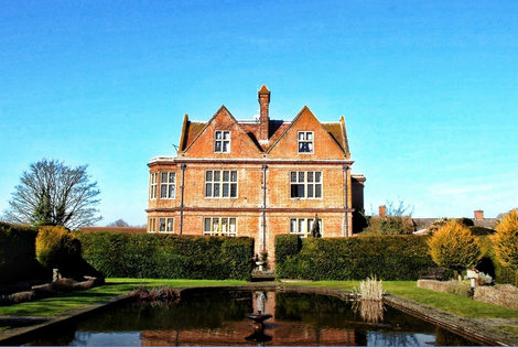 £99 (at Horwood House) for an overnight stay for two with dinner, breakfast and late check out - save up to 39%