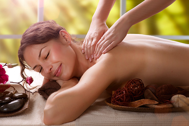 £59 instead of up to £115 for a spa day for 2 inc. glass of bubbly and your choice of 30-minute treatment at Health Aroma, Thistle Barbican Hotel - save 49%