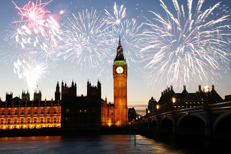 £24 instead of up to £59 for a choice of fireworks Thames river cruise for 1 inc. glass of bubbly & canapes from Experify - save up to 59%