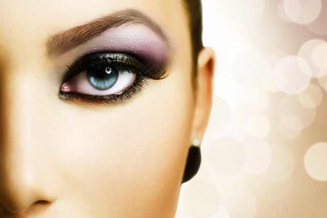 £24 instead of £99 for a 3-hour eye makeup masterclass at Mink London - learn to do it like the professionals and save 76%