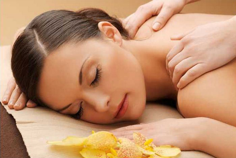 £9 instead of £18 for a 30-min back or facial massage, £14 for a choice of 60-min treatment from Boundless Balance, Derby - save up to 50%
