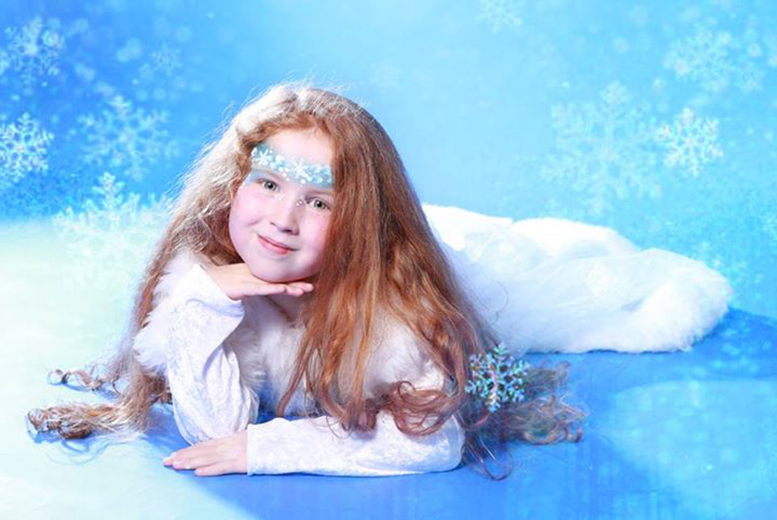 £9 instead of £40 for an up to 2-hour Frozen-inspired photoshoot inc. 11 prints at Xposure Studios, Liverpool - save 78%